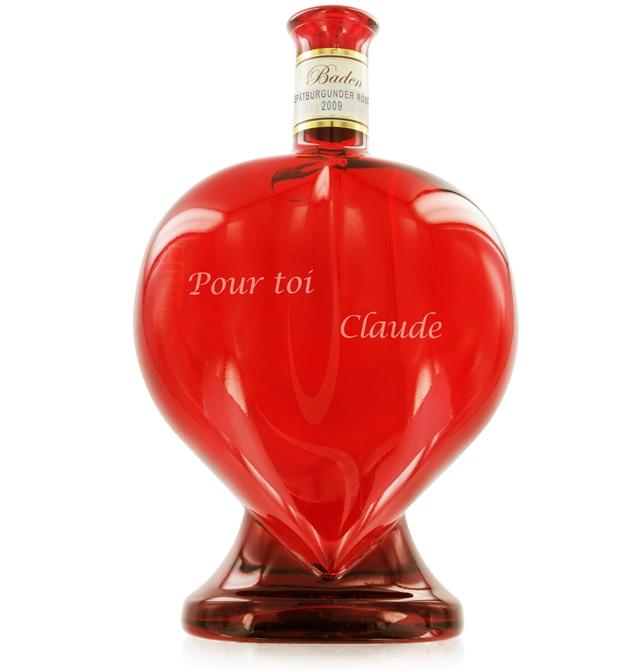 Wijn in hartvormige fles