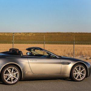 Aston Martin rijden - Zolder