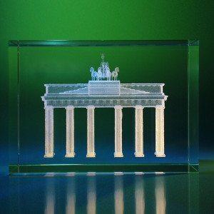 Brandenburger Tor in glazen blok met gravure