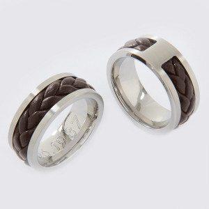Geflochtener Ring mit Gravur