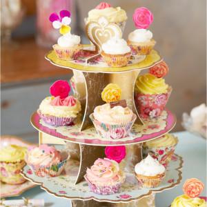 Kleurrijke cupcakestandaard