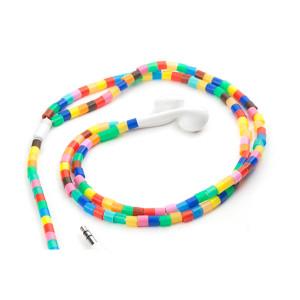 Oortjes met gekleurde ringetjes